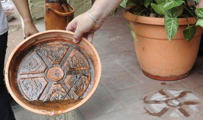 evitar plato de maceta con agua debido al dengue