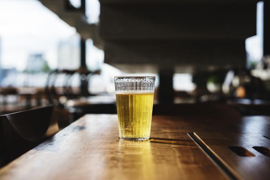vaso con cerveza