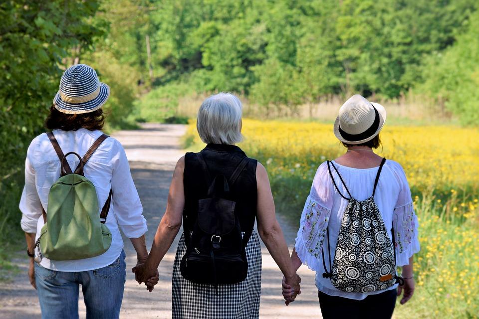 mujeres de espaldas