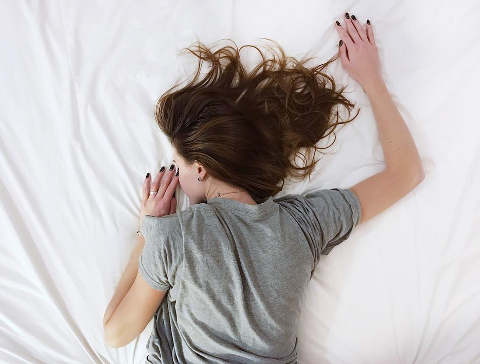 ¿Cansado de los ronquidos? 10 recomendaciones que pueden ayudarte