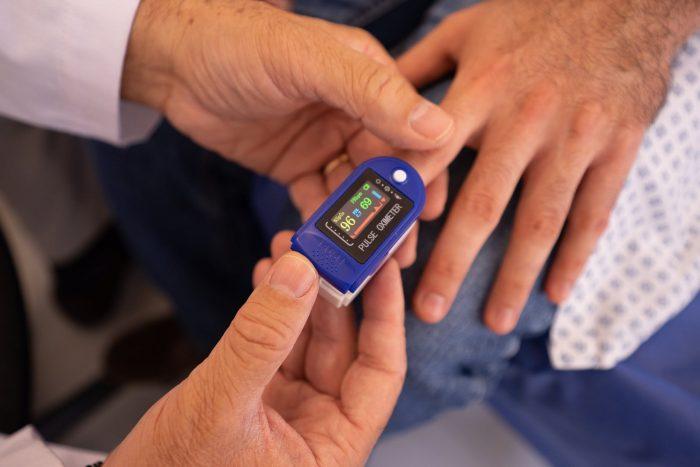 medición azucar en sangre enfermedades no transmisibles